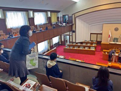 美浜町立和田小学校5年生が和歌山県議会や県庁正庁など見学(写真付)