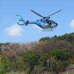 近大生物理工で防災訓練 学生消防団が放水、県警ヘリも参加