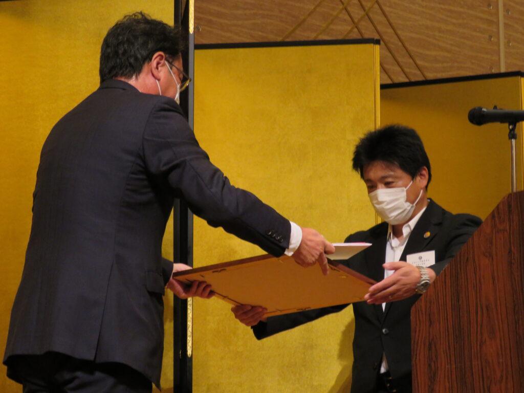 第27回キワニス賞表彰式「あたたかい小さな手」受賞