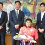 東京パラ出場の生馬選手、故郷の有田市役所を表敬訪問